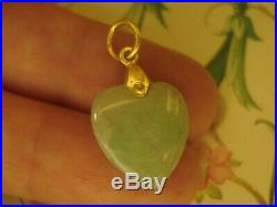 Beautiful & Finely Crafted 18CT Gold Heart Cut Green Jade Gemstone Set Pendant