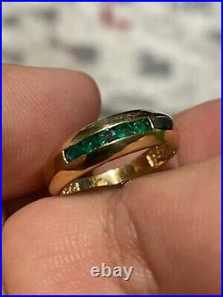 Mint 18k Solid Yellow Gold SZ 8 Colombian Emeralds. 750 Green