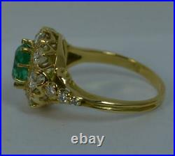 Stunning Emerald VS1 1ct Diamond 18ct Gold Cluster Engagement Ring d0543